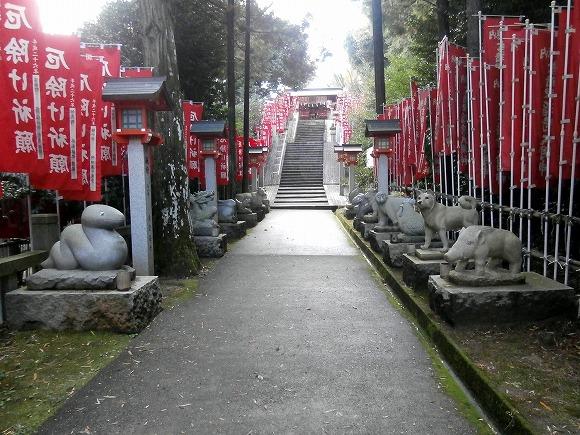 十二支の石像