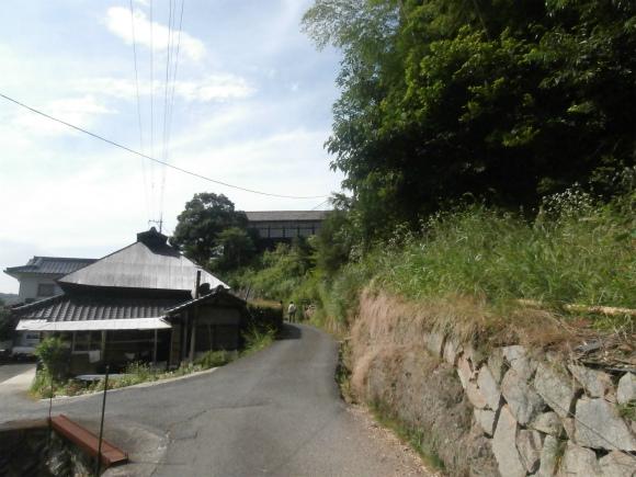 校舎への道