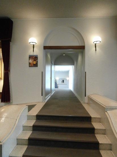 客室棟への通路